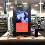 ベストバイで展示・販売されているスマートスピーカーのアマゾン・エコーとアマゾン製品。ベストバイに続いてデパートメントストアのコールズでもアマゾン製品を取り扱う。