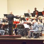 陸自と米海兵隊の音楽隊、息ぴったりの演奏