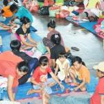 インドネシアで避難者が急増、13万人を超す