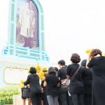 プミポン前タイ国王死去から1年、悲しみ新た