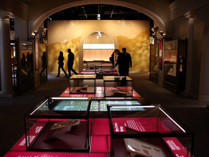 米首都に世界最大級の「聖書博物館」オープン