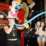 香港人マジシャンの風船マジックショー