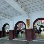 林百貨店だけでなく、台南駅も白を基調に昭和時代の駅舎を想起させる作り