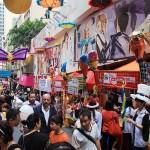 80以上の露店が出店する蘭桂坊カーニバル