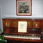 ハメーンリンナの家に展示されているシベリウスが使用していたピアノ