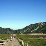室堂から大日岳(左)と奥大日岳を観る