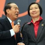親民党の宋楚瑜総統候補(左)と徐欣瑩副総統候補