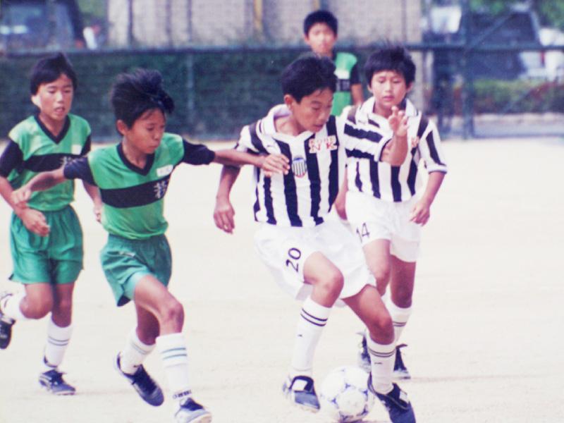 逆境が育てたサッカー選手