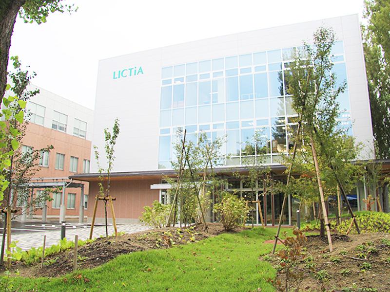 会津大学で「先端ICTラボ」運用を開始