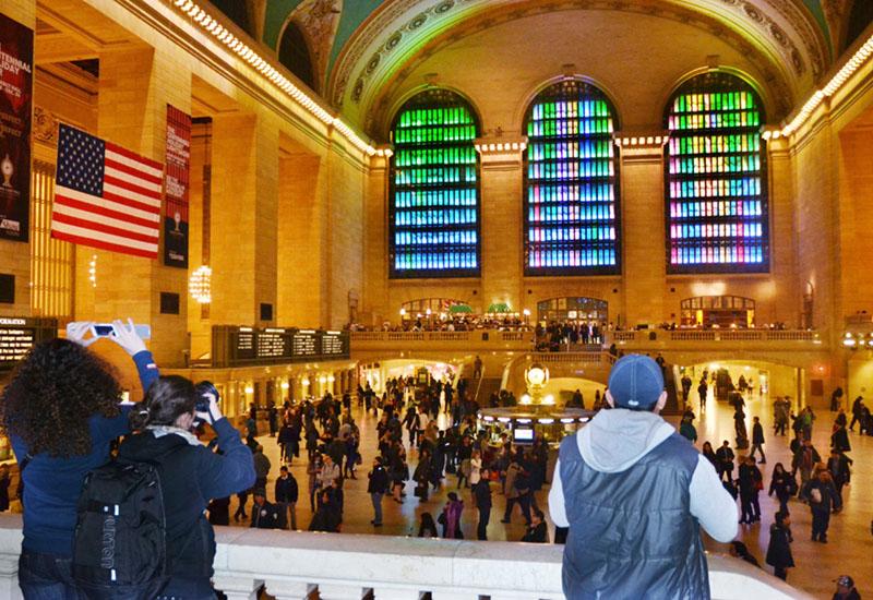 東芝、ニューヨークで光のイベント