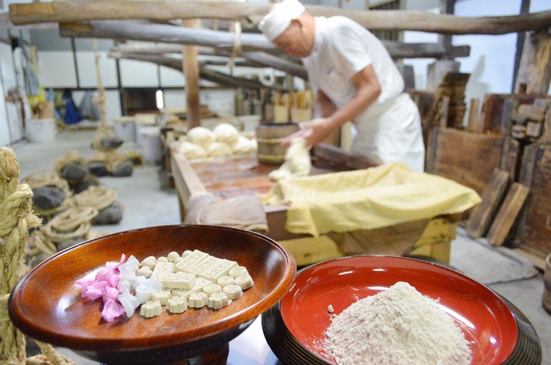 徳島、香川で和三盆糖作り始まる