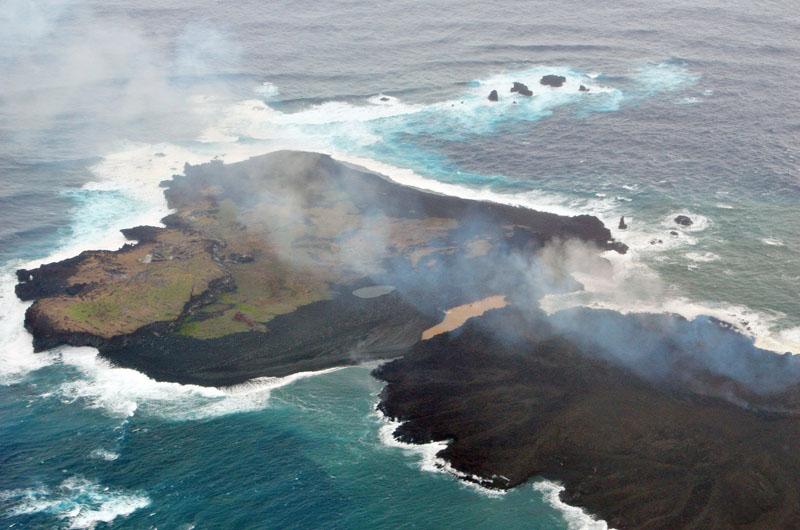 小笠原の新島、西之島と一体化