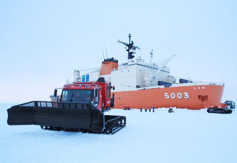 南極観測船「しらせ」、3年連続越年航行