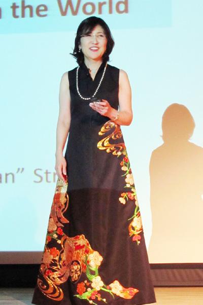 稲田朋美担当相、「クールジャパン」アピール