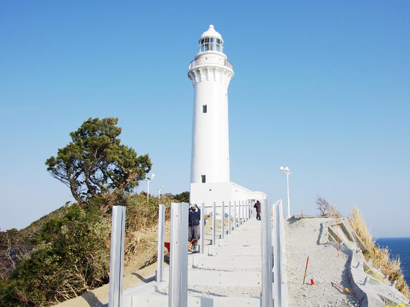 東日本大震災で被災した塩屋埼灯台が復旧