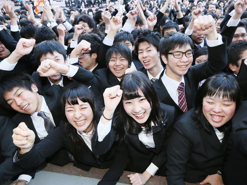 1500人の専門学校生、就活いざ出陣!