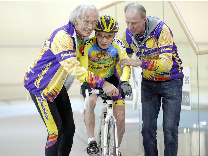 102歳の衰えぬ挑戦魂、自己最高速度を上回る