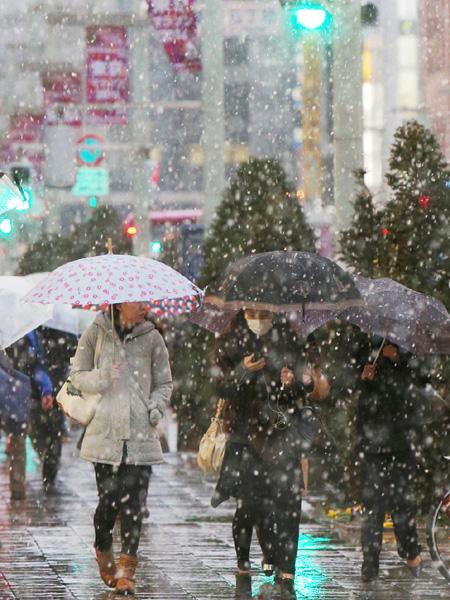 立春に雪、関東は路面凍結に注意