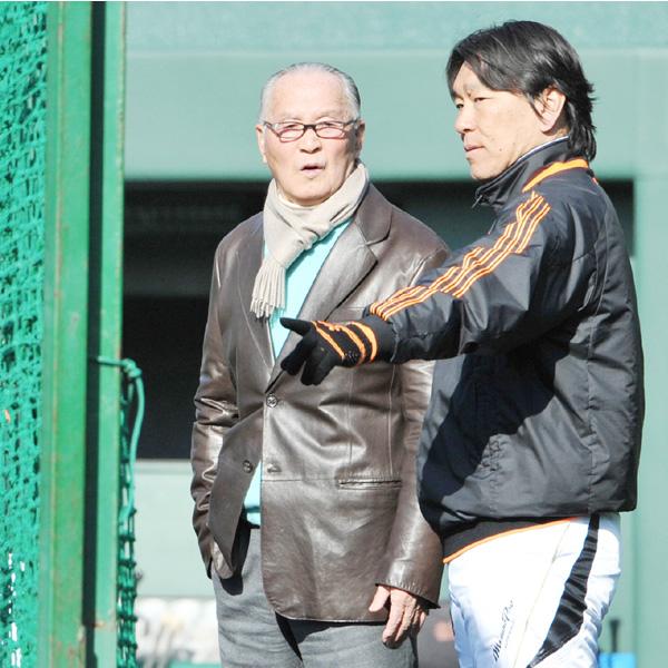 元監督の長嶋茂雄氏、身ぶり交え打撃指導も