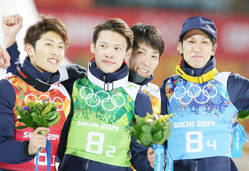 葛西紀明選手所属会社、16年ぶりメダルに大歓声
