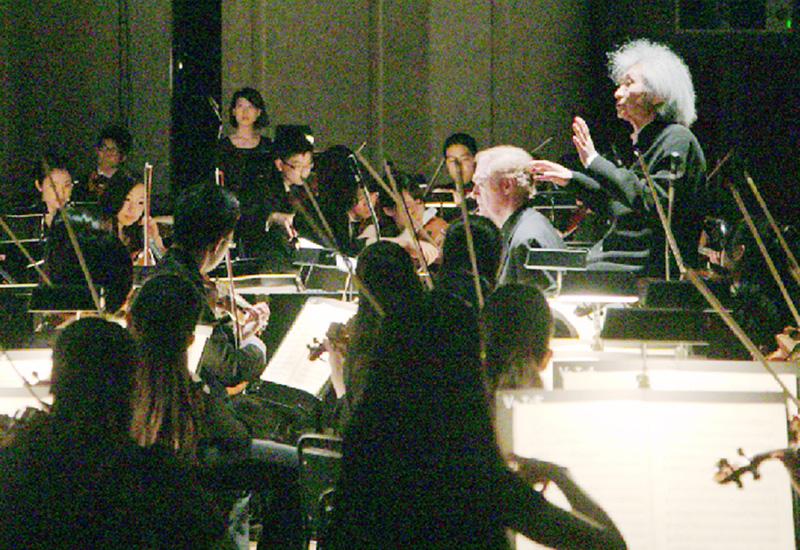 小澤征爾さんが音楽塾で指揮、聴衆を魅了