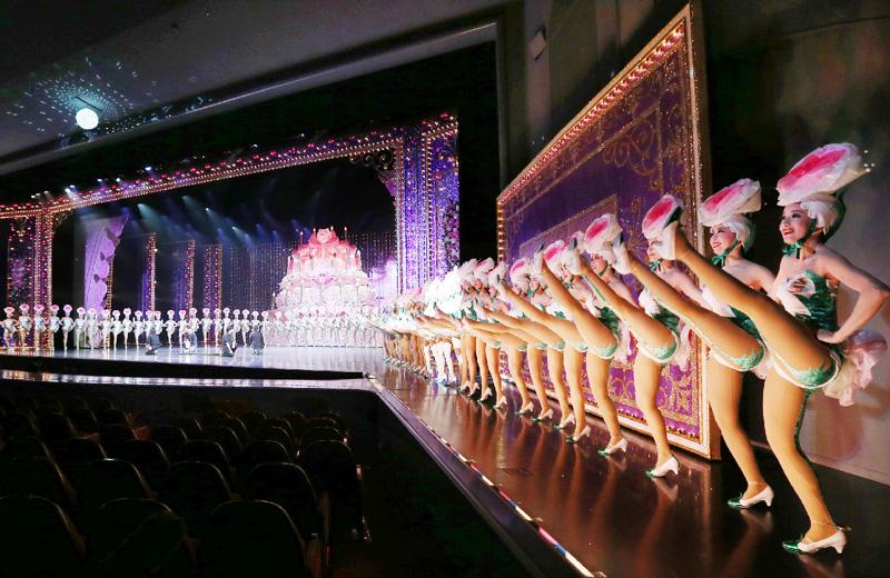 宝塚歌劇団100期生、39人が月組公演で初舞台