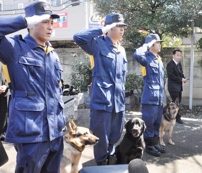 警視庁、動物霊園で捜査貢献した警察犬の慰霊祭