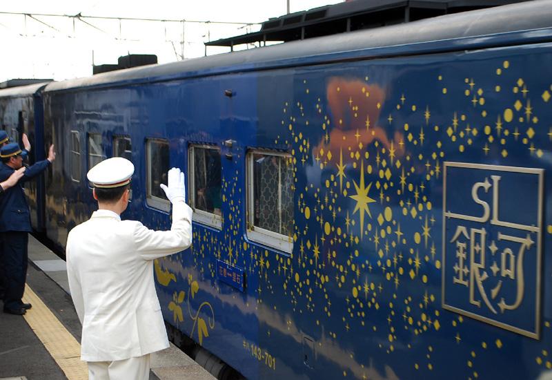 復興への希望乗せ、蒸気機関車「SL銀河」を運行