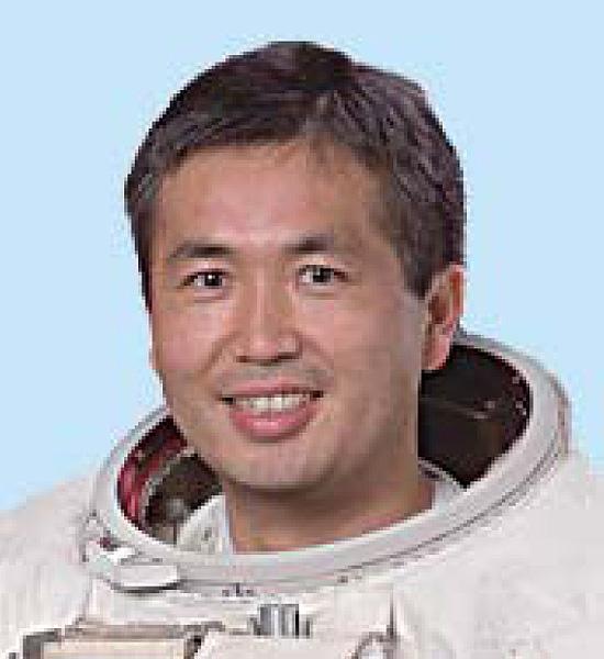 若田光一飛行士、船長任務完遂「ほっとした」