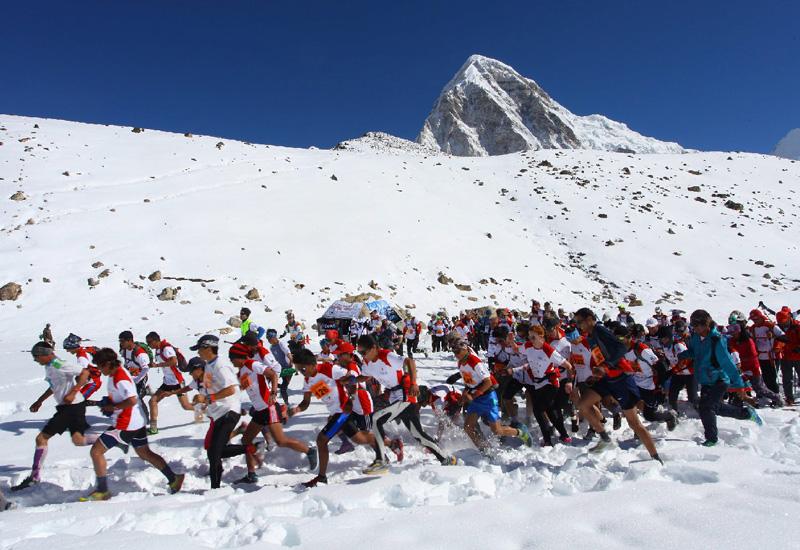 エベレストで世界一過酷なマラソン