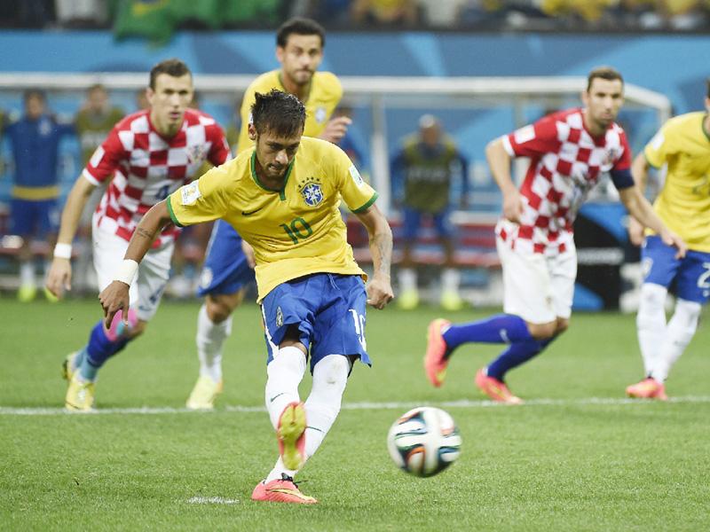 ブラジル不安な守備、破壊力の裏に課題