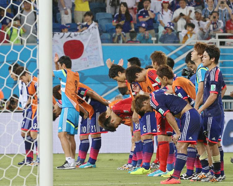 日本、ギリシャ戦で信念の攻撃サッカー通じず