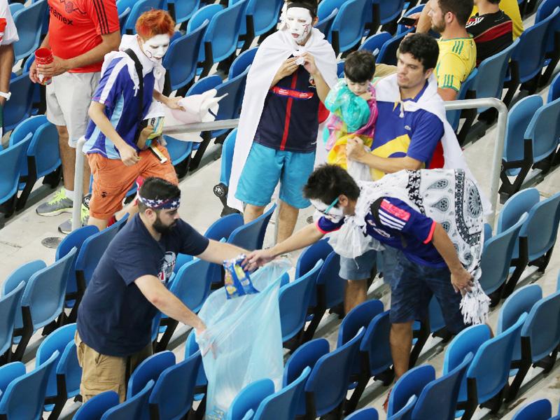 「日本人を見習う」とブラジル人の観戦客も
