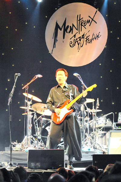 モントルー・ジャズで布袋寅泰さんらが熱演