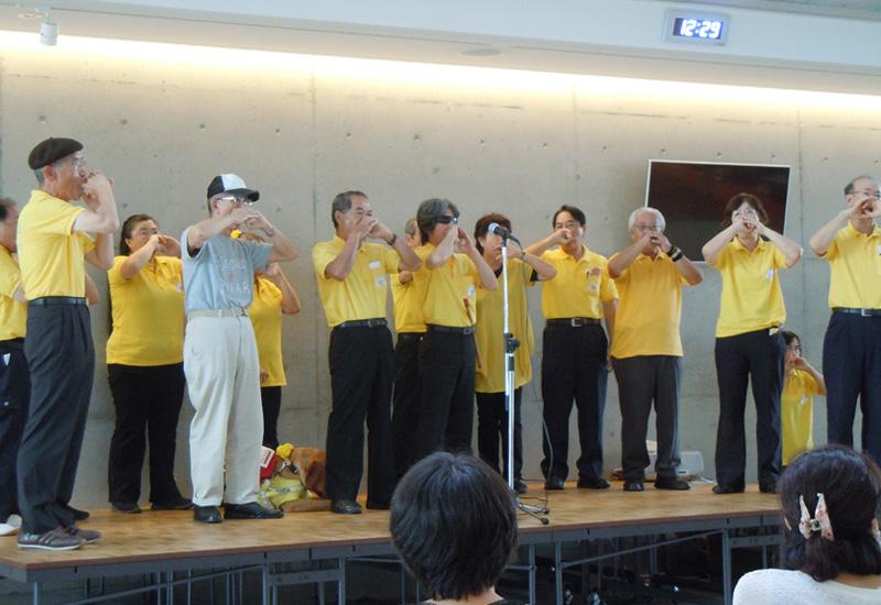 「指笛の日」に西原町役場でミニコンサート