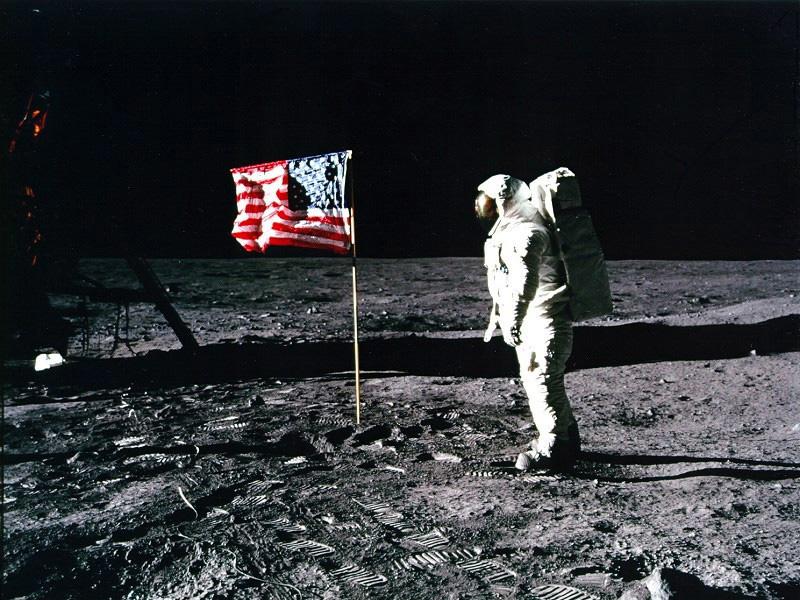 アポロ11号月面着陸、きょうで45周年