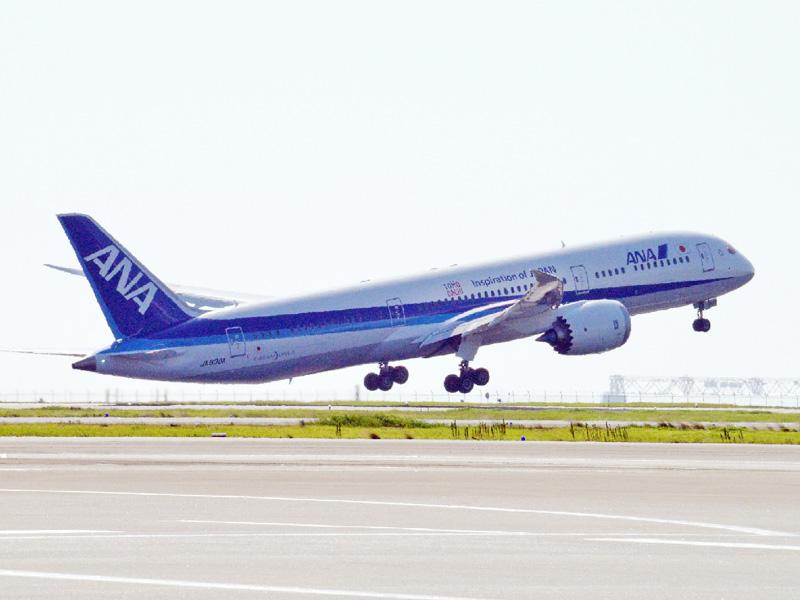 米ボーイングの新型旅客機787-9型機が就航