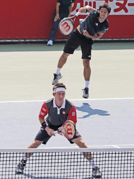 楽天テニス、錦織圭が帰国初戦で快勝
