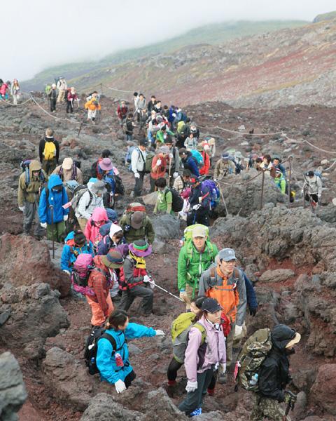 御嶽山噴火で、富士山の地元に警戒感が強まる