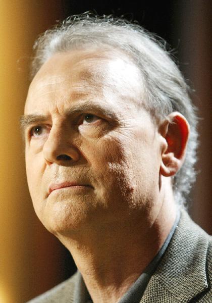フランスの作家モディアノ氏にノーベル文学賞
