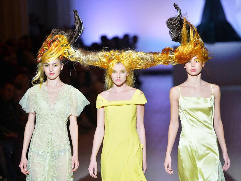 奇抜な髪形、ファッション界に挑戦状?