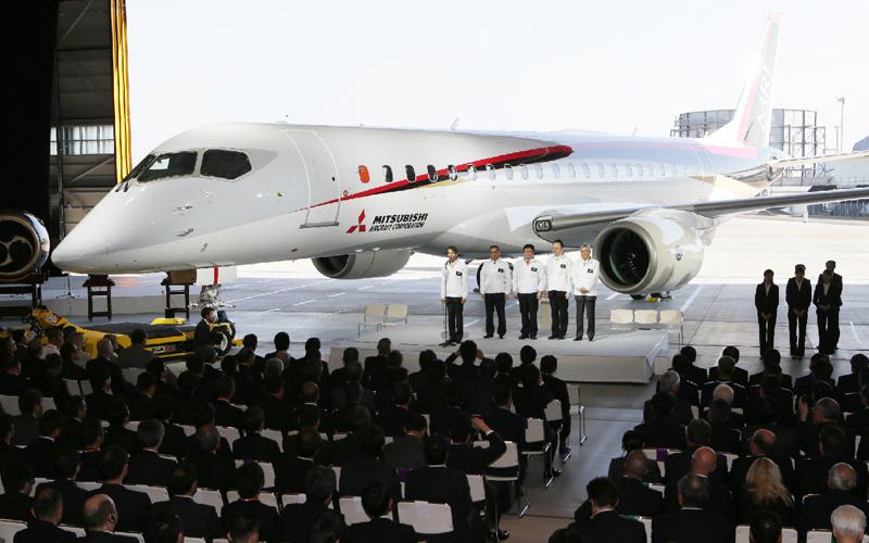 三菱航空機、国産ジェット機の機体を公開