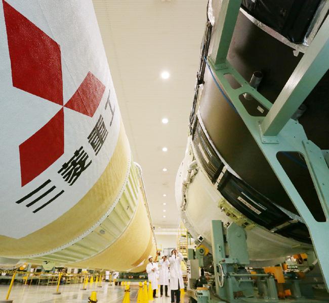 三菱重工、H2Aロケット26号機を公開