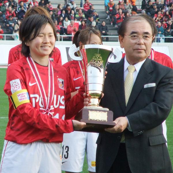 なでしこリーグで、若き浦和が苦しんで優勝