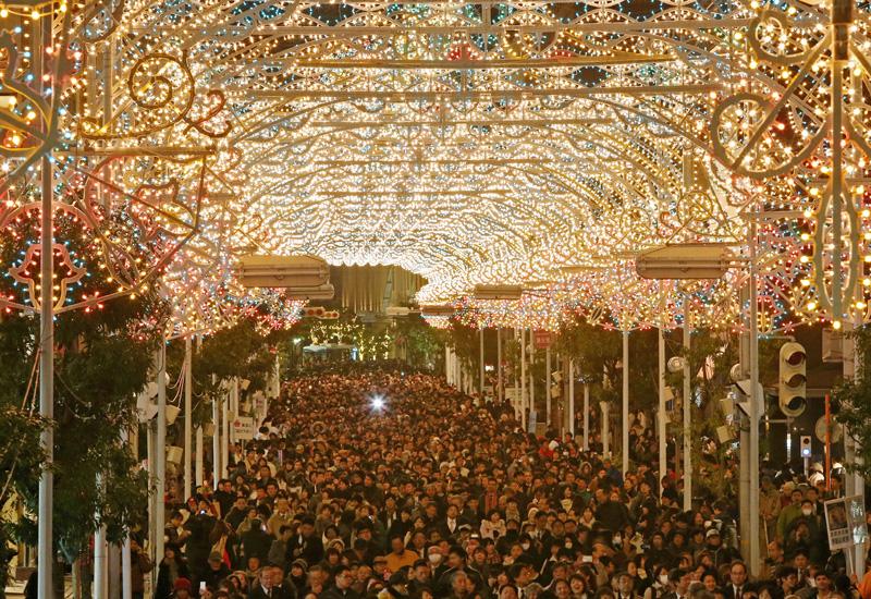 20回目の追悼の光「神戸ルミナリエ」が開幕
