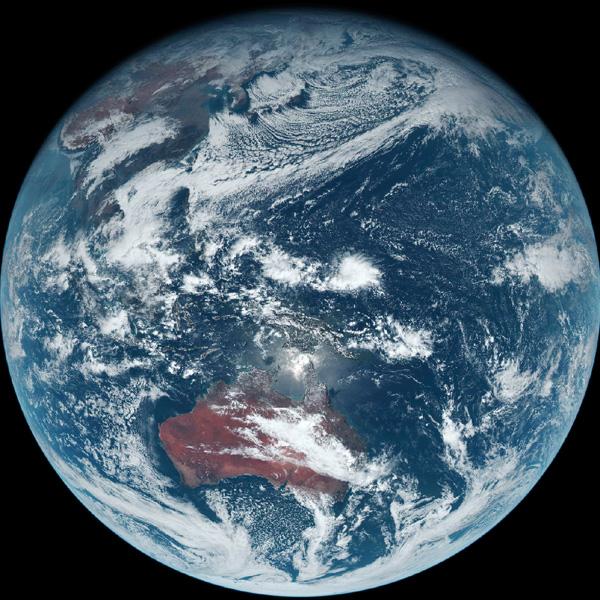 気象庁、ひまわり8号からの「青い地球」公開