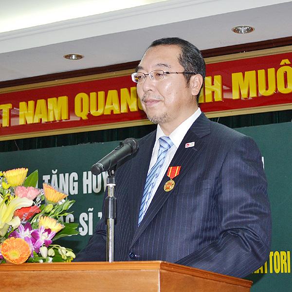 ベトナム政府が「赤ひげ先生」に友好勲章