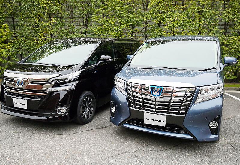 トヨタが高級ミニバンを全面改良して発売