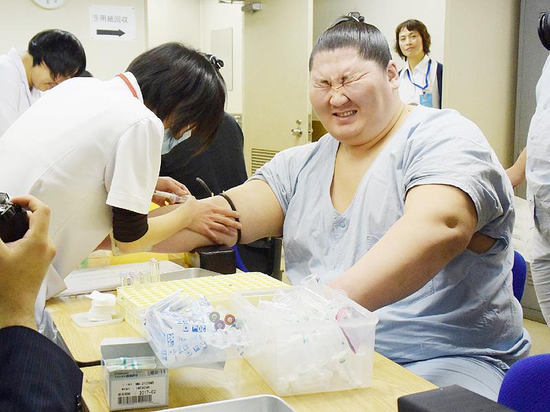逸ノ城が定期健康診断、体重「微増」にホッ