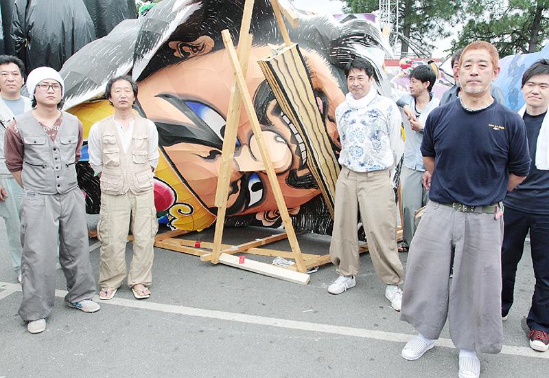 「立佞武多」の山車がカーニバルへ!